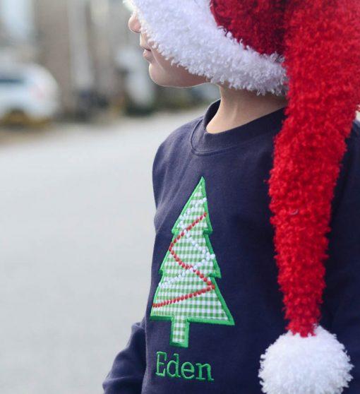 appliqued christmas shirt